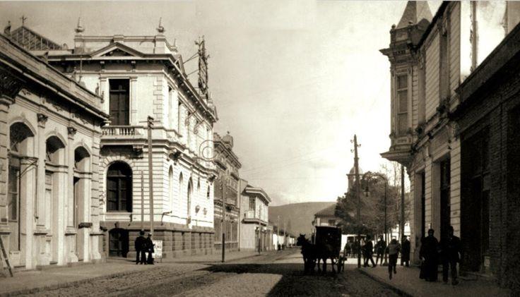 Calle Comercio en Talca, 1906. Inicios del siglo XX en el centro de Talca.  Autor desconocido  - EnterrenoEnterreno