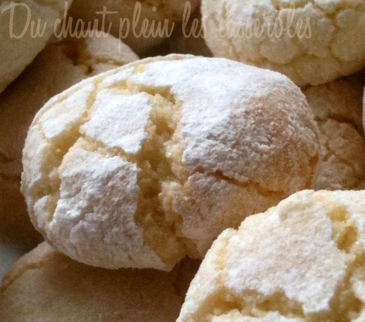 Macarons croquants dehors, moelleux dedans (recette idéale pour utiliser des blancs d'oeufs qui nous restent)