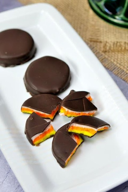 Candy Corn Peppermint Patties [Halloween]: Desserts, Peppermint Patties, Sweet Treats, Candy Corn, Recipes, Fall Halloween, Candycorn, Haniel, Corn Peppermint