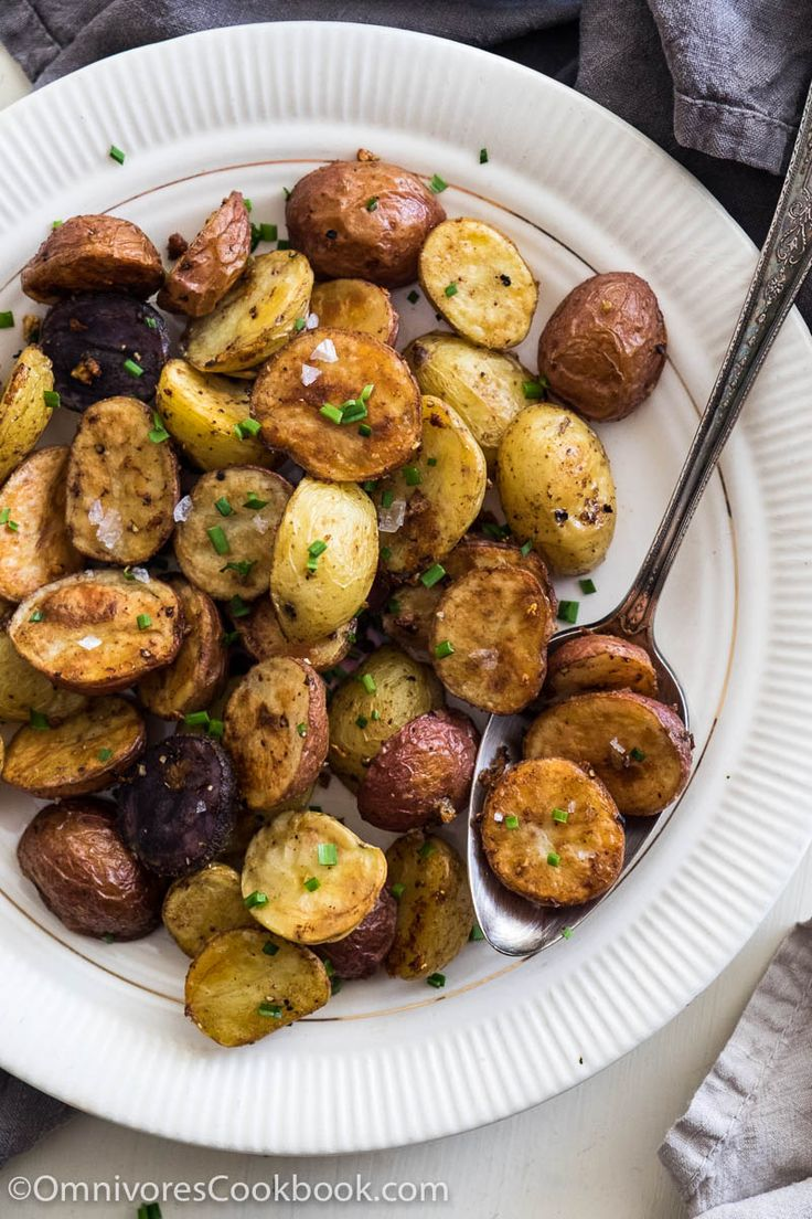 Level up your roasted potatoes with five spice powder and extra garlic! #PotatoPalooza sponsored by #IdahoPotato