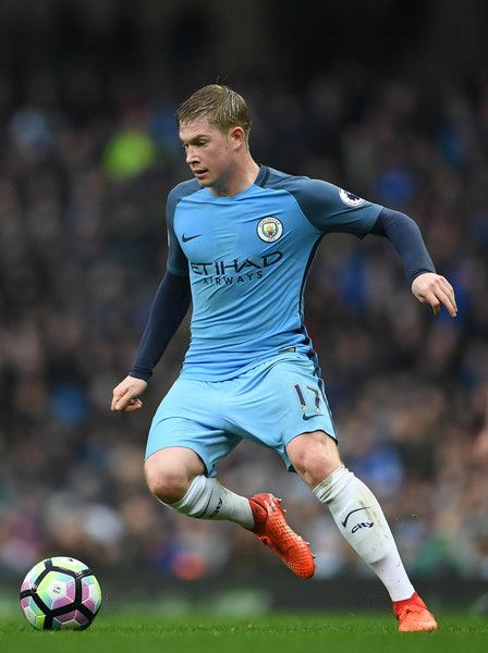 Kevin De Bruyne of Manchester City in action during the Premier League match between Manchester City and Liverpool at Etihad Stadium on March 19, 2017 in Manchester, England.