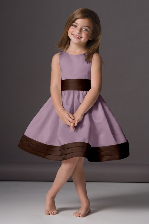 Cute dress for a flower girl.