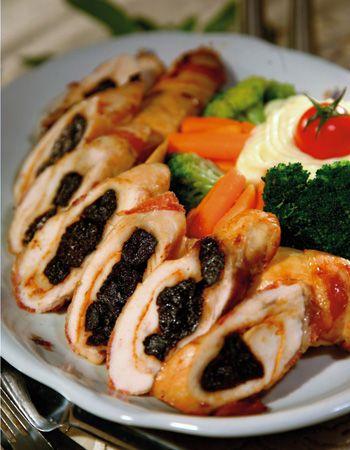 Bódi Margó: Aszalt szilvás csirkemell