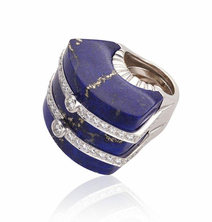 DAVID WEBB BLUE LAPIS AND DIAMOND RING SET IN 18 KARAT GOLD AND PLATINUM I William Noble | Estate Jewelry