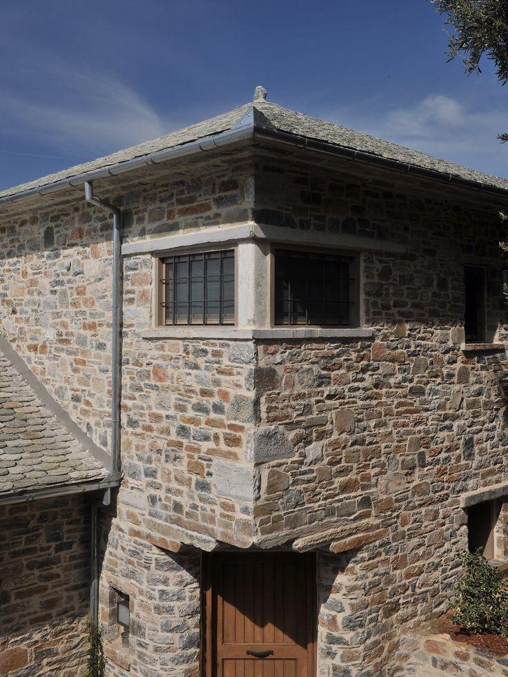 Windows _ stone | detail | holiday house | sea | Pelion | Sporades | design | local architecture | Pagasitikos Bay _ visit us at: www.philippitzis.gr