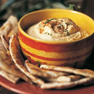 i <3 hummus and pita bread .. yummmmm