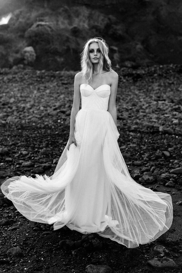 Fleur  | ONE DAY BRIDAL   Love's Keeper | Spring15 | Photography: Erin & Tara