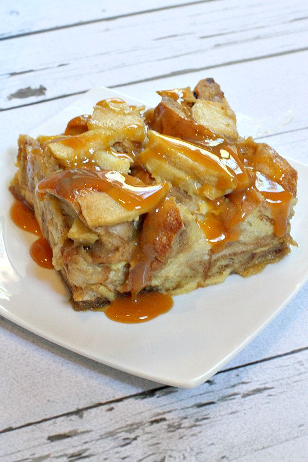 Caramel Apple Bagel Bread Pudding Recipe - RecipeGirl.com : recipe uses @thomasbreads  Cinnamon Raisin Bagels in a traditional bread pudding with spiced, sauteed apples mixed in.  All topped with a generous drizzle of caramel.  Yum!