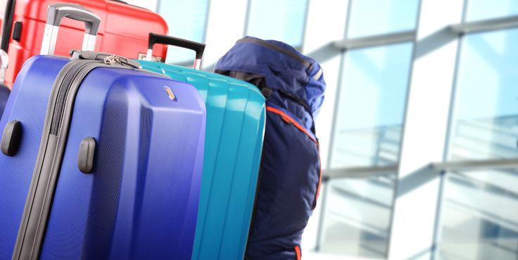 CHEAP THANKSGIVING FLIGHTS: $25 FROM NY TO LA BY STORING YOURSELF IN THESE SWANKY SUITCASES  Everyone's looking for that steal of a deal this holiday season -- especially when it comes to pricey cross-country flights. Luckily, last-minute Thanksgiving travelers can get just the bargain they're looking for! With this fare-hacker deal, you can go from New York to Los Angeles for just 25 b…