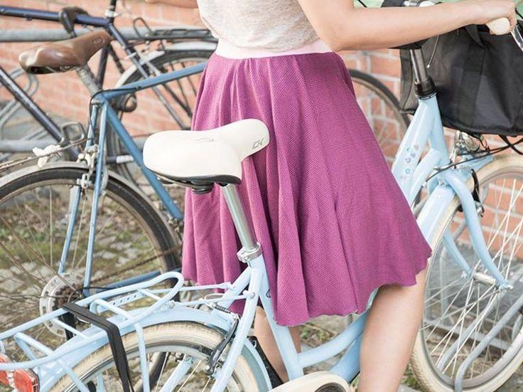 DIY-Anleitung: Tellerrock aus Jersey in 15 Minuten nähen / diy sewing pattern for a swinging skirt, easy skirt diy via DaWanda.com