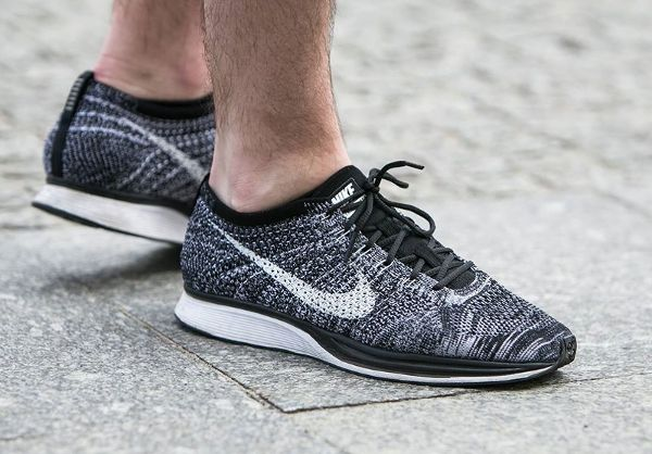 nike flyknit racer oreo 2 0 black white post image. Black Bedroom Furniture Sets. Home Design Ideas
