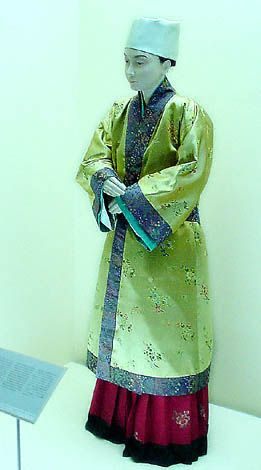 the outfit I am thinking of making, 11th century