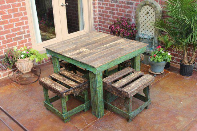 DIY Pallet Breakfast Table