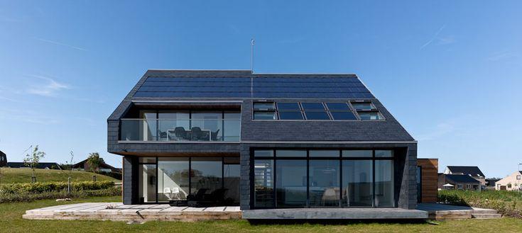 Grote raampartijen zorgen voor meer zonlichttoetreding in het huis. Dat resulteert in minder energieverbruik voor verwarmende doeleinden.