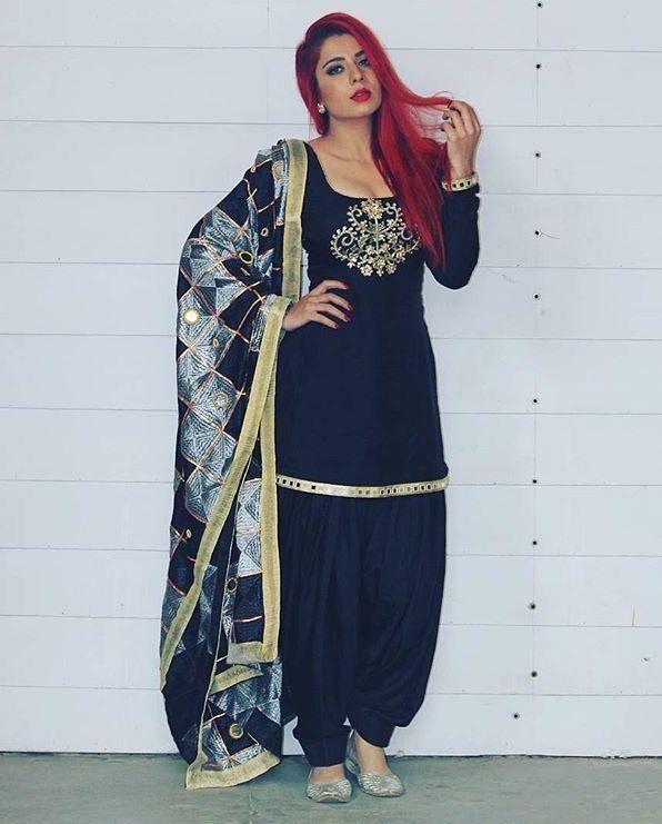 67ce3fb216 For purchase Inquiries➡ nivetasfashion@gmail.com whatsapp +917696747289  Nivetas Design Studio We ship worldwide bridal lehenga , bridal suits, ...