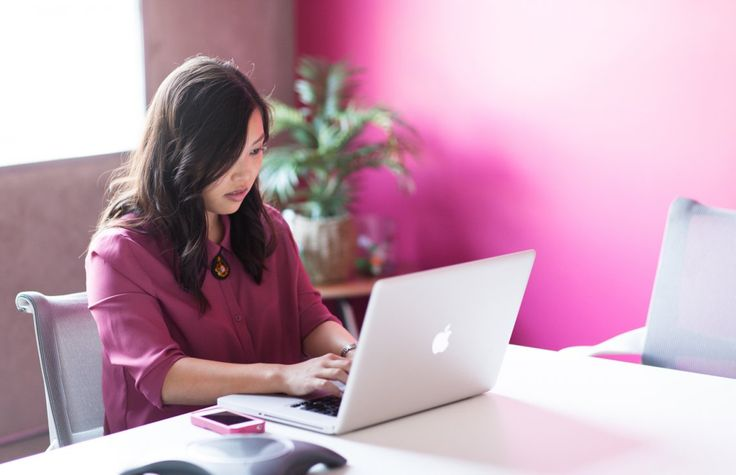 5 Blogs to Procrastinate at Work and—Huh?—Grow Your Career