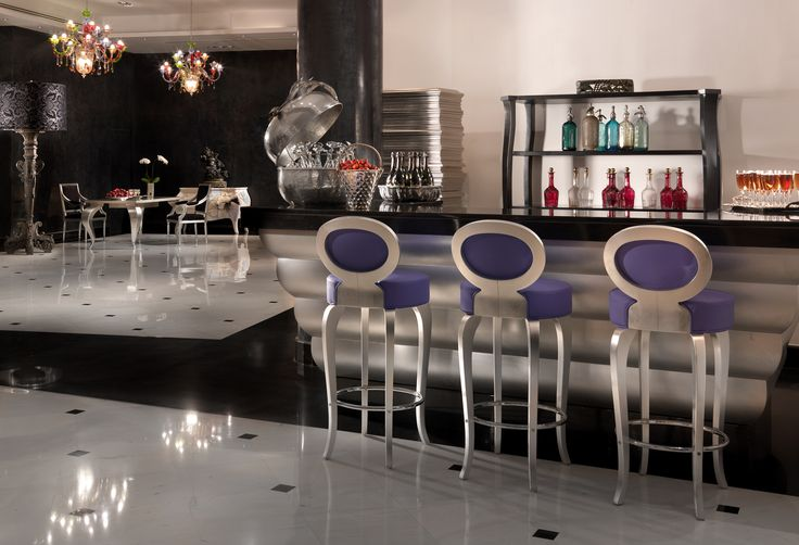 OH! All-suite hotel bar