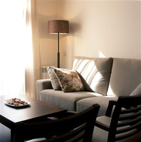 Sitting Room - Golf Vacation Rental direct by Owner || Salón Comedor - Alquiler de vacaciones directo del propietario