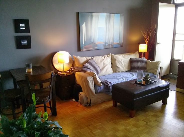 FOR SUBLET/TORONTO: JULY 1st to AUG 30th 2014- 1 bedroom Yonge and Eglinton area. $1100.00/month. 27th Floor. Dishwasher, AC, pool, gym, sauna, tennis, squash, quiet and close to TTC, movies, groceries, coffee shops of Yonge St. Non Smoking, no pets. Fully furnished. Huge balcony facing north with a view. Mssg me for more details. Utilities, Basic Cable, Wireless Internet all. included.
