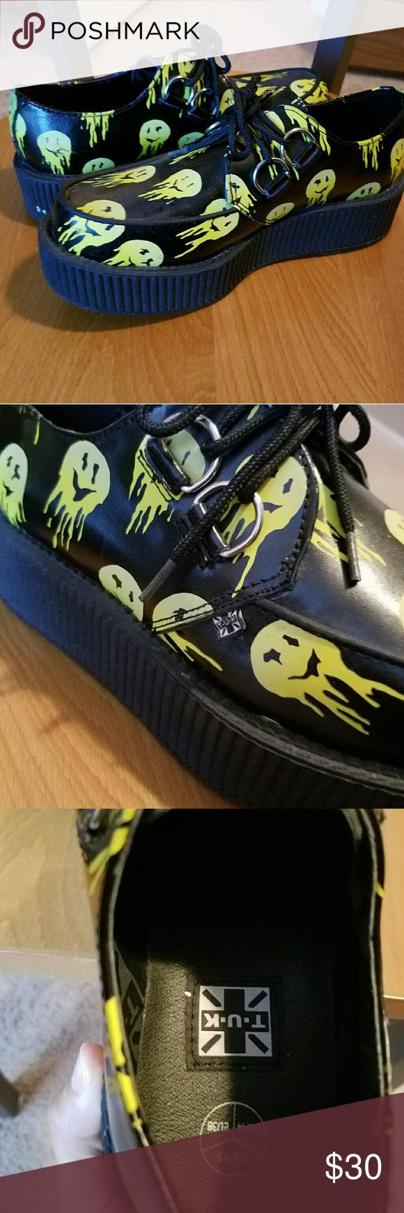 💀T.U.K. MELTED SMILEY FACE CREEPERS💀 💯💯AUTHENTIC T.U.K. CREEPERS  THESE CREEPERS ARE MADE WITH A PRINTED LEATHER UPPER AND CLASSIC VIVA MONDO ROUND TOE SOLE MELTED SMILEY FACE DESIGN👞 ONLY WORN COUPLE TIMES, ALL WEAR AND TEAR DISPLAYED IN IMAGES👌 t.u.k. Shoes