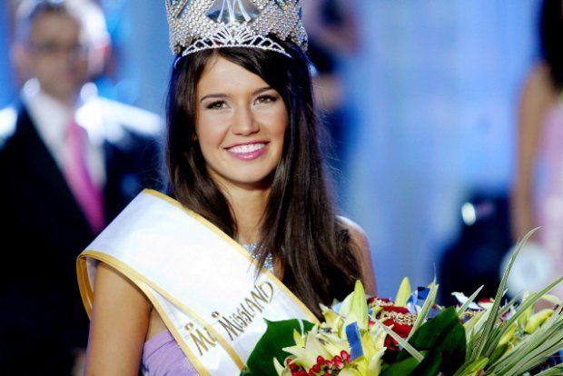 Miss Polski 2002 - Magdalena Stanisławska #misspolski2002 #misspolski #winner #najpiekniejszapolka #themostbeautifulgirl