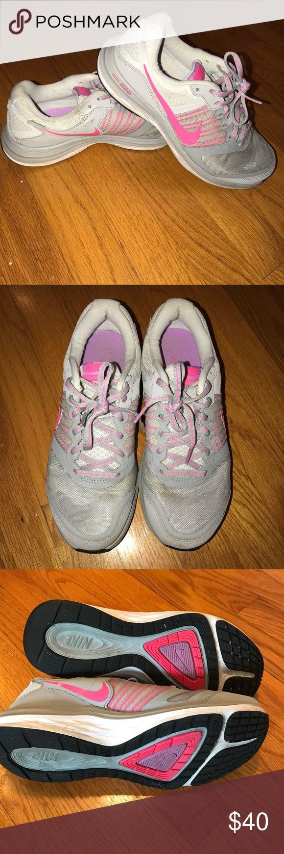 Nike dual fusion running shoes size 8 Nike dual fusion running shoes size 8, good condition! Nike Shoes Sneakers