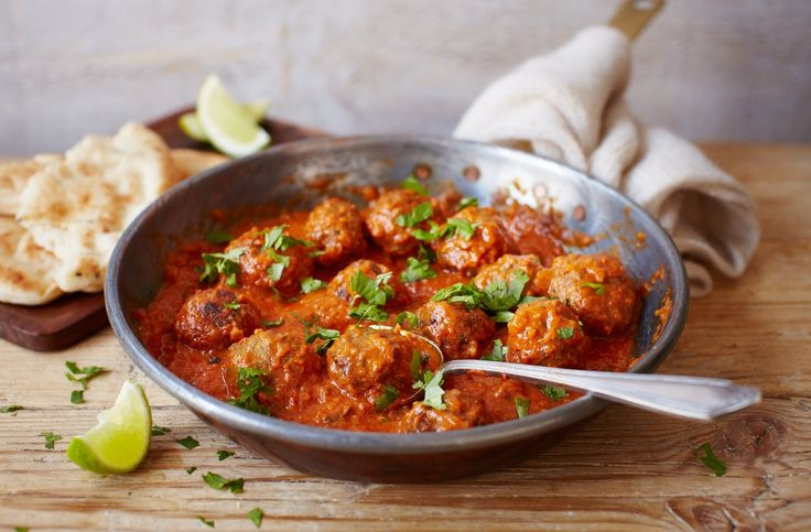 Deliciously spicy, this Indian lamb kofta curry recipe makes a great alternative to a takeaway. Find more lamb curry recipes at Tesco Real Food.