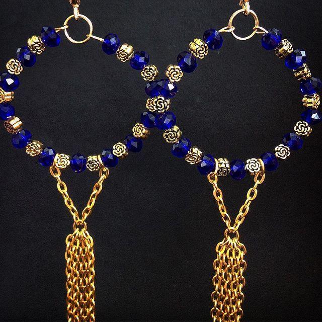 """Серьги """"Звёздные дожди""""  Мерцающие глубоким синим цветом, кристаллы, оттеняемые…"""