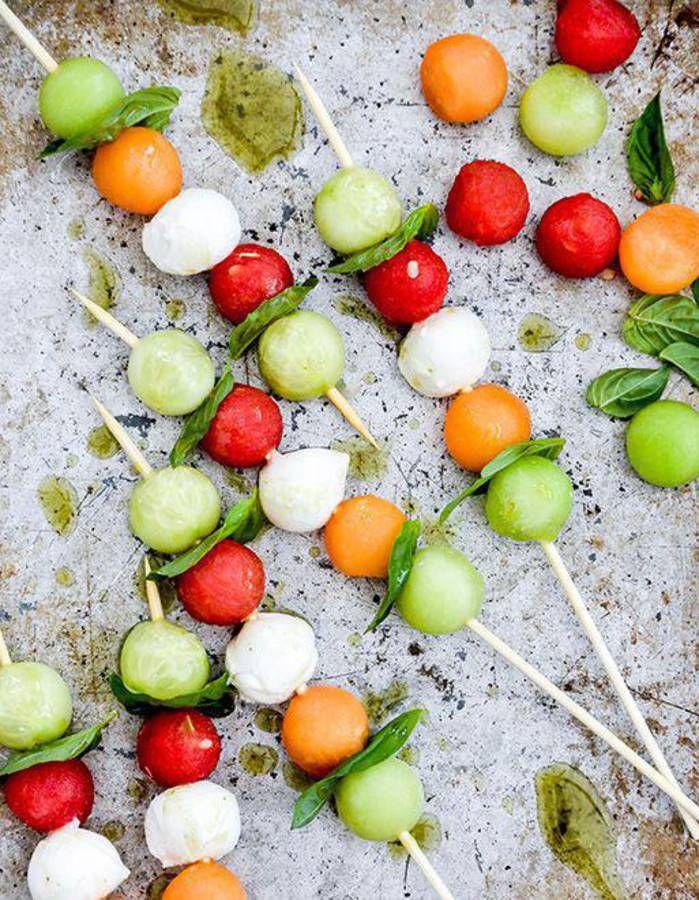 Brochettes apéritives melon - Des brochettes apéritives à grignoter tout l'été - Elle à Table