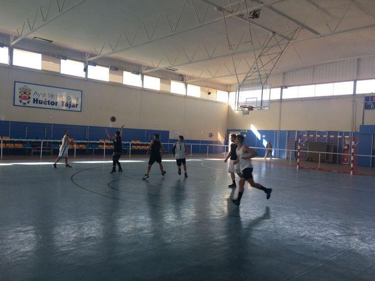 Casi 50 personas disputan un Torneo de Baloncesto 3×3 en Huétor Tájar