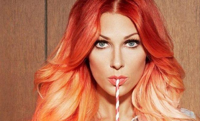 Saç renkleri kumral, sarı, kızıl gibi renkler olabilir. Saç rengi olarak tercih edilen renkler doğal saç renklerine yakın tonlardır. Günümüz...