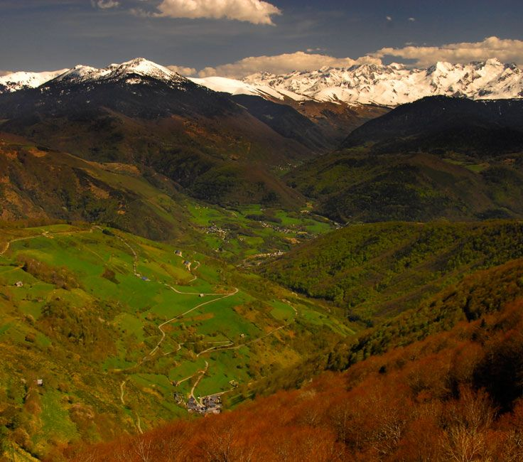 Snowcapped peaks of the Pyrenees mountain chain from col du Soulor / Hourquette d'Ancizan. Spring cycling yields superb scenery. // Bike | Cycling | Bicycle | France | Travel | Trips | Mountains