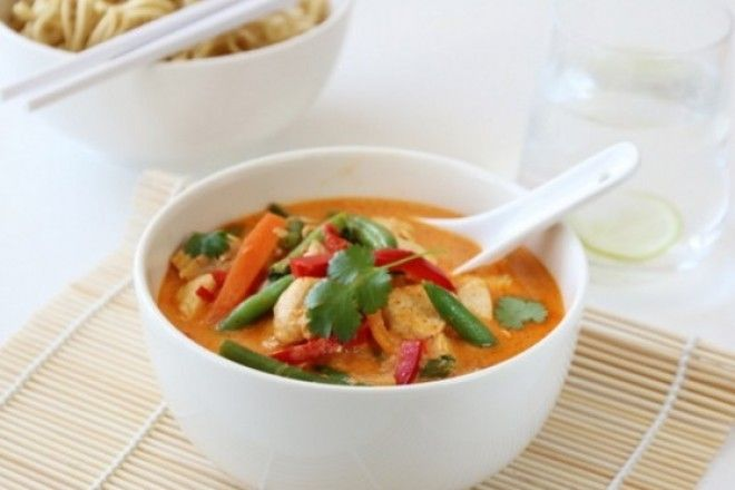 Trines matblogg thaisuppe med kylling og red curry