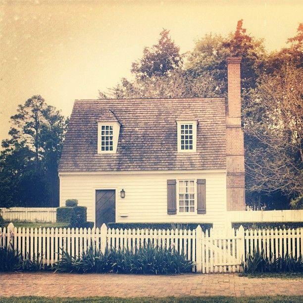 Little White Williamsburg House By Opportunemma Via