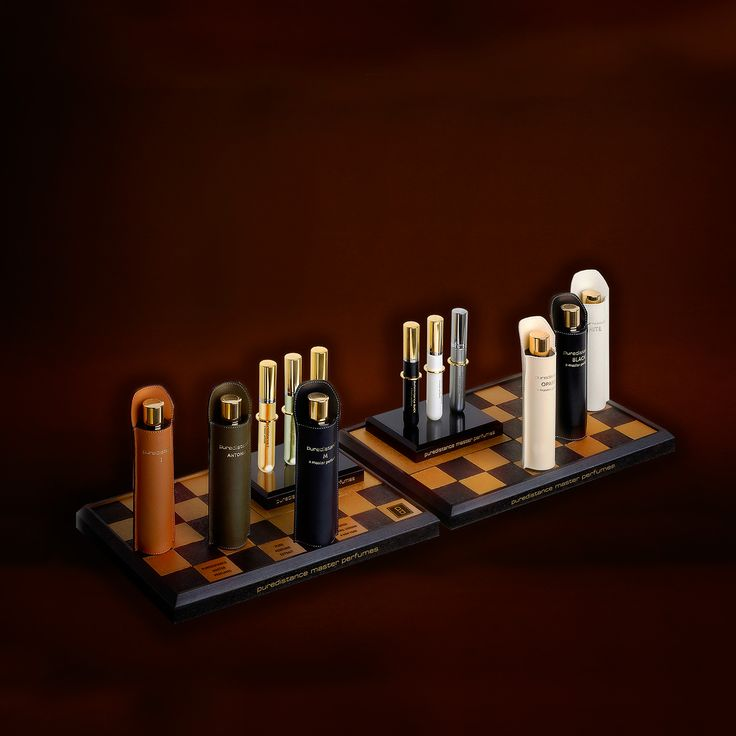 For years we tried to come up with the perfect display to show the beauty of our brand. Not an easy task, since space is limited in most of the stores that sell Puredistance. In the end we have come up with the right solution: the Puredistance Chessboard Display! The perfect base to house the noble members of the Puredistance Family.