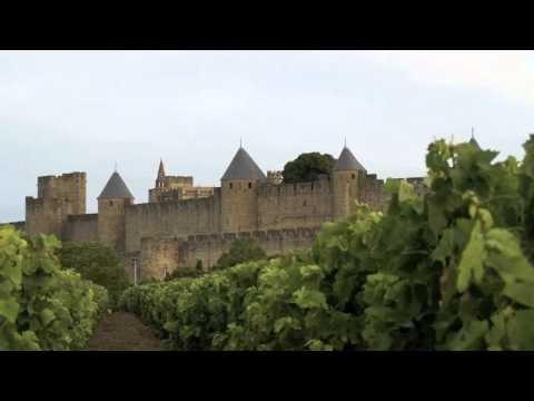 HERMOSA CIUDAD AMURALLADA! Carcasona es la capital del departamento de Aude, en la región Languedoc-Rosellón (Francia). Su ciudad amurallada fue declarada en 1997 Patrimonio de la Humanidad por la Unesco.