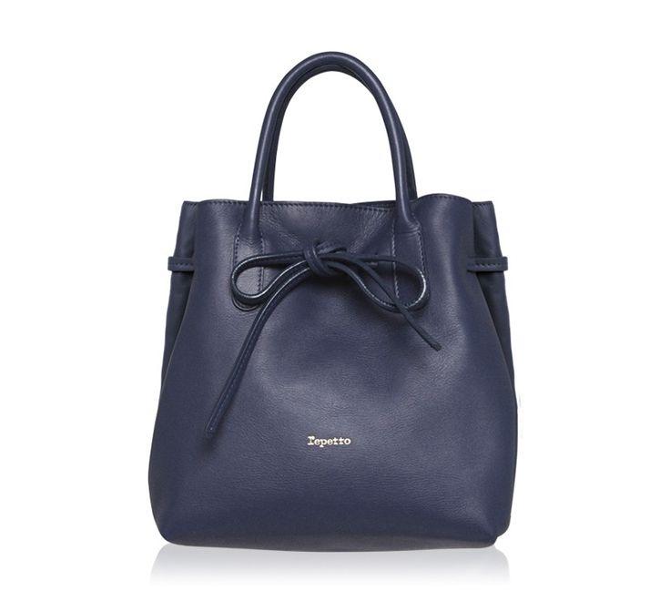 "Medium Shopping Bag ""Arabesque"". Classic blue Paris calfskin. #Repetto #RepettoBags #Blue #Classic #DarkBlue #RepettoArabesque"