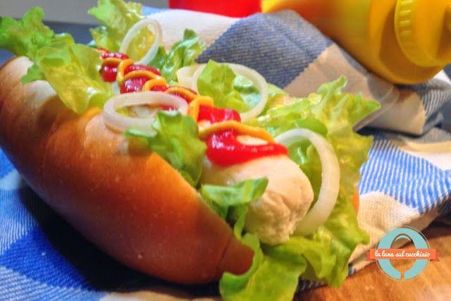 La luna sul cucchiaio: Hot-dog Parmigiano Reggiano style #parmigianoreggi...
