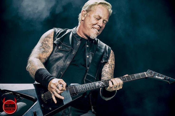 "17 Likes, 4 Comments - James Morrison Photography (@jameswaltermorrison) on Instagram: ""Metallica rockin' University of Phoenix Stadium during their Hardwired Tour.  #metallica #hardwired…"""