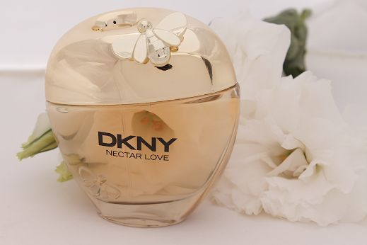 REVIEW & GIVEAWAY: DKNY NECTAR LOVE