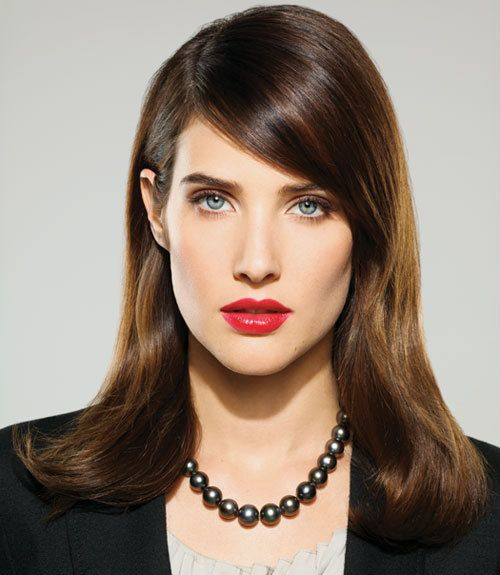 Cobie Smulders, i love her in how i meet your mother had I not been a sucker for Anthony I might of ended up like her lol a mass communication major with sucha take complex lol!