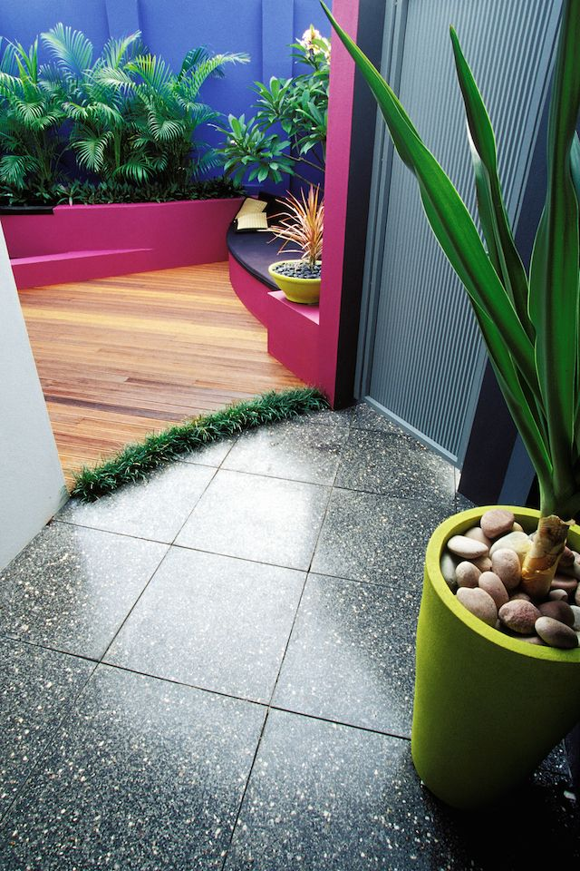From The Front Entry Gate Courtyard Design Janine Mendel Cultivart