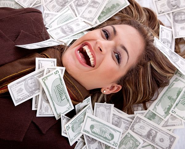 Working online is an easy way to earn extra income and can sometimes you can leave your fulltime job once you started earning an income more or equal to your monthly salary.  Above mentioned online jobs are specially researched for housewives and home moms who lost their full-time job after their marriage.