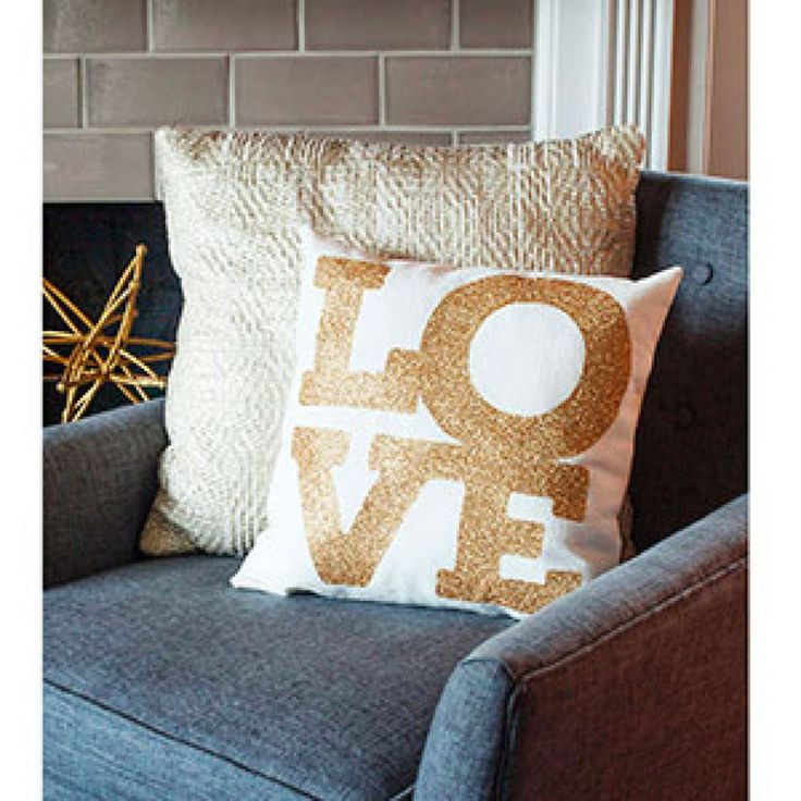 Create your own unique, sparkly home accent pillow using the Cricut Explore Air™, Lia Griffith's beautiful design and Cricut Glitter Iron-on paper.