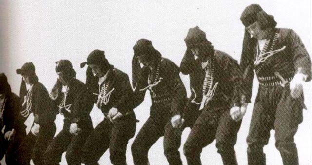 ΕΛΛΑΝΙΑ ΠΥΛΗ: Ο πολεμικός χορός των αρχαίων Ελλήνων που διασώθηκ...