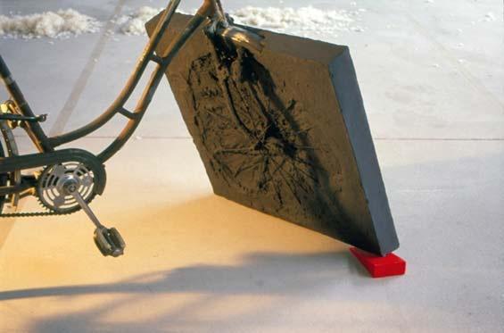 krzysztof m. bednarski, rower malewicza, 2003, asamblaż