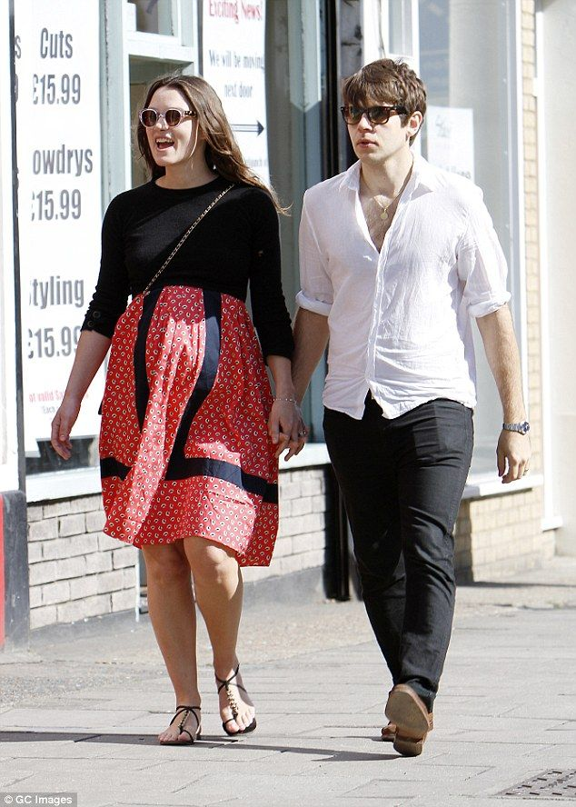 Keira Knightley wearing Zanzan 'Sunetra' from www.zanzan.co.uk #zanzaneyewear #sunglasses