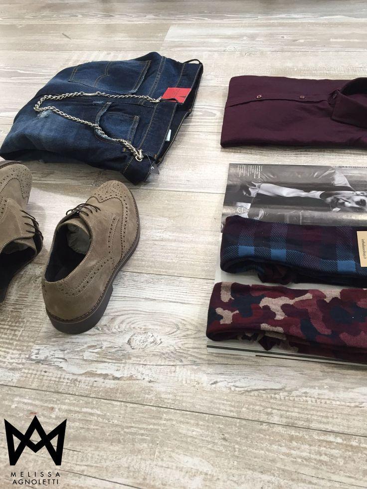 Scarpe, jeans e tanto altro ancora! Vestiti elegante per queste feste! Vieni a provarli presso i nostri Concept Store oppure guardali sul nostro Shop on-line!