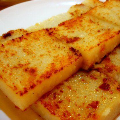 蘿蔔糕│大根餅   日本で作れる台湾料理 混ぜ込む具によって下味が変わり、エビや野菜で下味をつけた調理法もありますが、今回は何も加えないオーソドックスな『蘿蔔糕│大根餅』を紹介します。