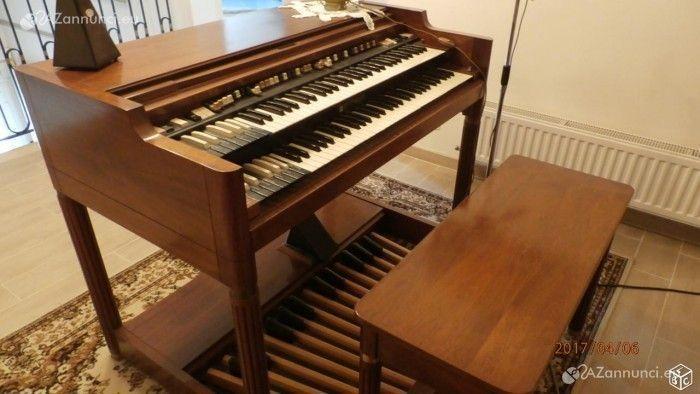 A causa di trasloco vendo il mio organo hammond b3000 con leslie hl722mobile splendido, pedale e banco, il tutto in buono stato di funzionamento.sof In Vendita Milano